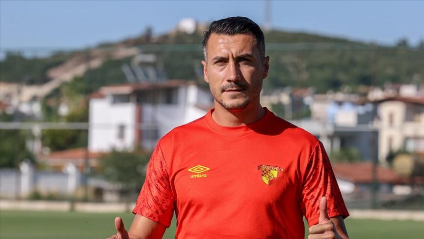 K. Makedonyalı futbolcu Adis Jahovic: İyi performans sergilemek için her şeyi yapacağız