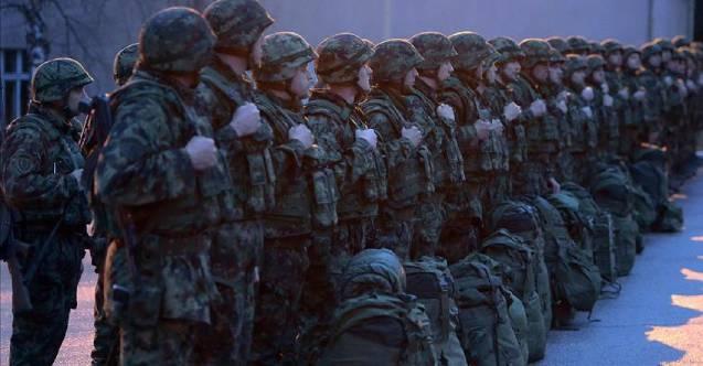 10 bin profesyonel asker Sırbistan ordusundan ayrıldı