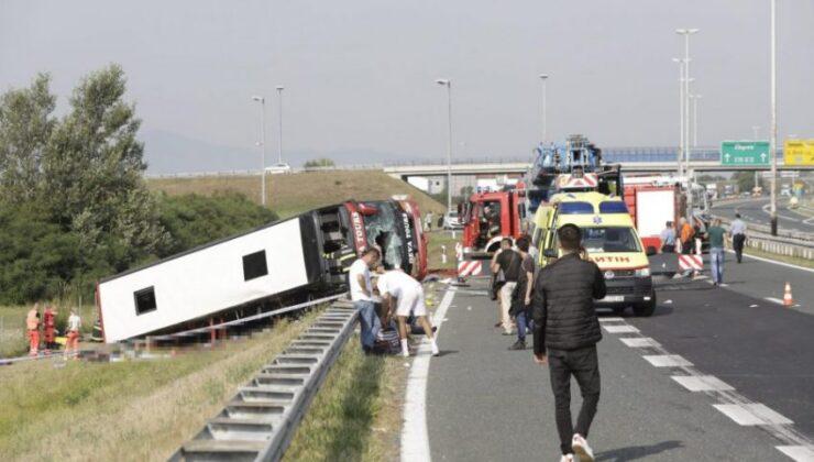 Kosova otobüsü Hırvatistan'da devrildi: 10 ölü