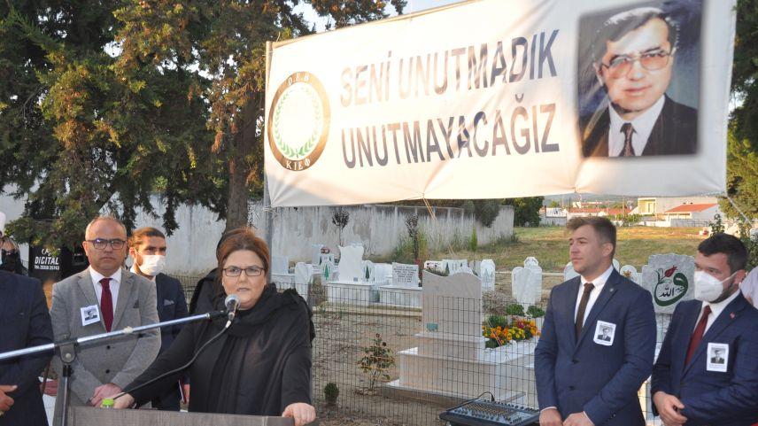 Dava insanı Dr. Sadık Ahmet kabri başında anıldı