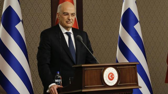 """Yunanistan'dan Türkiye'ye """"yardıma hazırız"""" mesajı"""