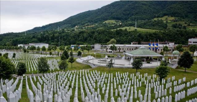 Srebrenitsa Anma Merkezi'nden soykırımı inkar yasasına destek