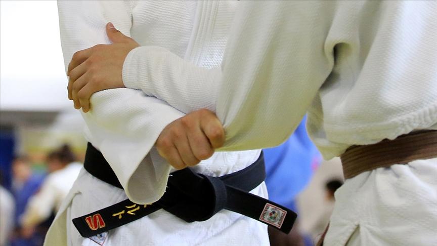 Cezayirli judocu Nourine, İsrailli rakibiyle eşleşmemek için Tokyo 2020'den çekildi