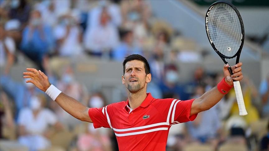 Wimbledon'da Sırp raket Djokovic üçüncü tura çıktı