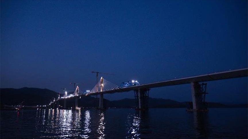 Hırvatistan'ın kuzey ve güney toprakları tartışmalı Peljesac Köprüsü ile birbirine bağlandı