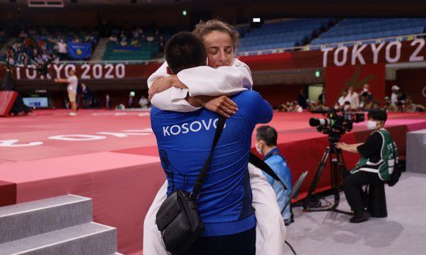 Kosova, Olimpiyat Oyunları'na altın madalya ile başladı