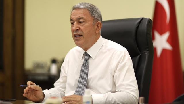 Bakan Akar: Yunanistan'ın anlaşmalara aykırı hareketleri göz ardı ediliyor