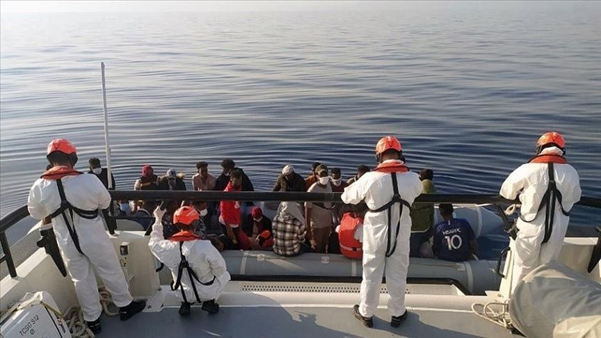 Yunanistan unsurlarınca Türk kara sularına itilen 61 sığınmacı kurtarıldı