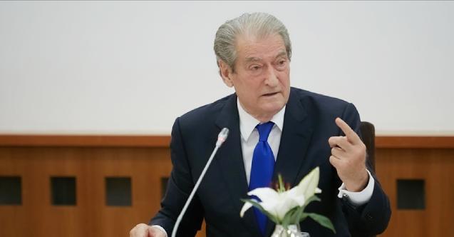 Eski Arnavutluk Cumhurbaşkanı Berişa, kurucusu olduğu partiden ihraç edildi