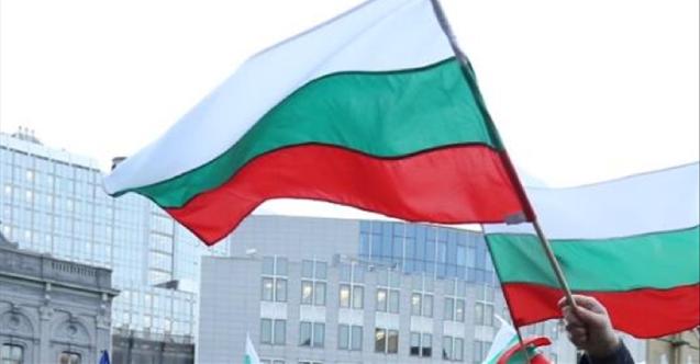 Bulgaristan'a K. Makedonya ve Arnavutluk için baskı artıyor
