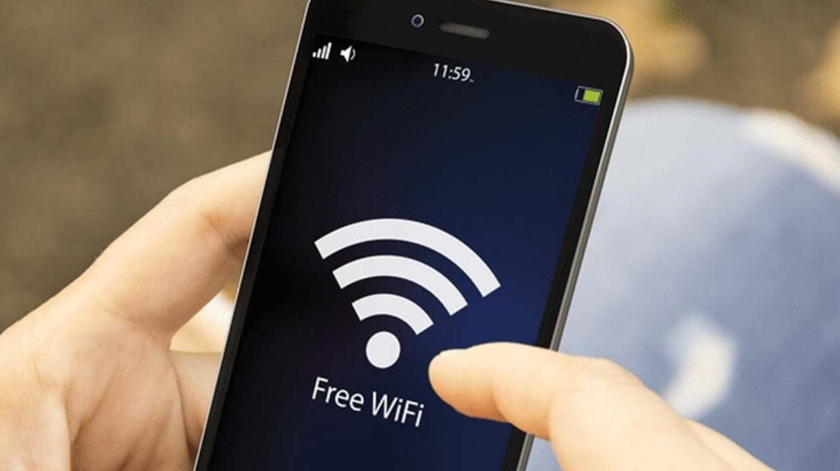 Hükümet, ülkedeki halka açık alanlarda ücretsiz kablosuz internet olacağını duyurdu