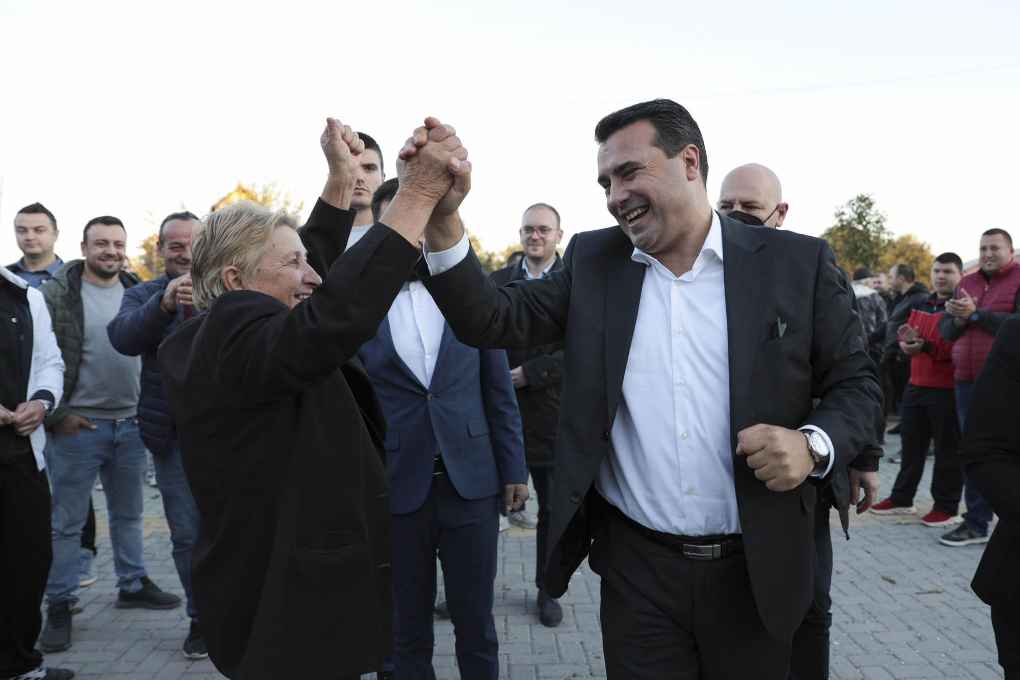 SDSM Genel Başkanı Zaev, seçim çalışmalarına Rosoman'da devam etti