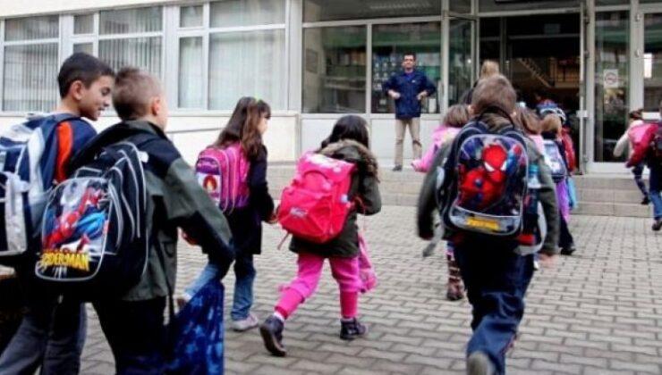 Kosova'da eğitimde normalleşme süreci başladı