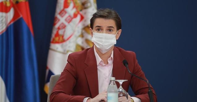 Sırbistan'dan geceleri uygulanacak aşı kartı tedbiri